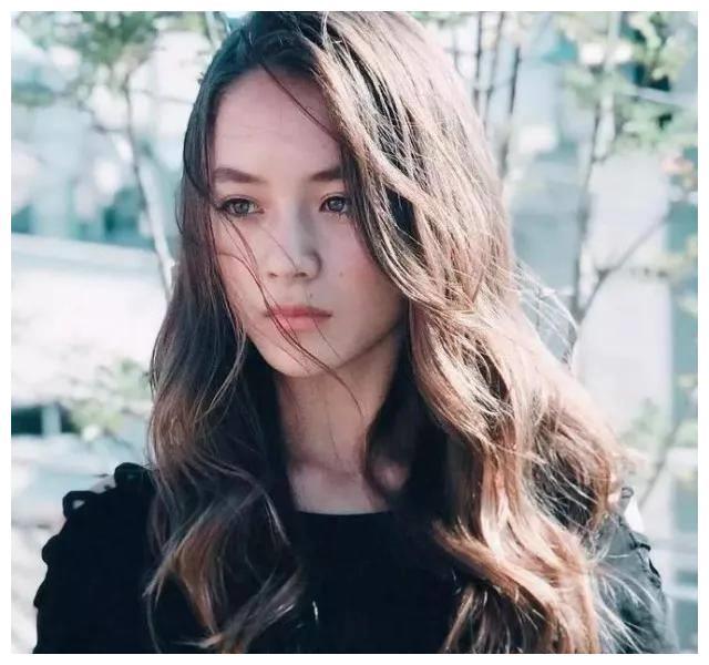 日本14岁混血美女爆红!被网友称作奇迹女孩