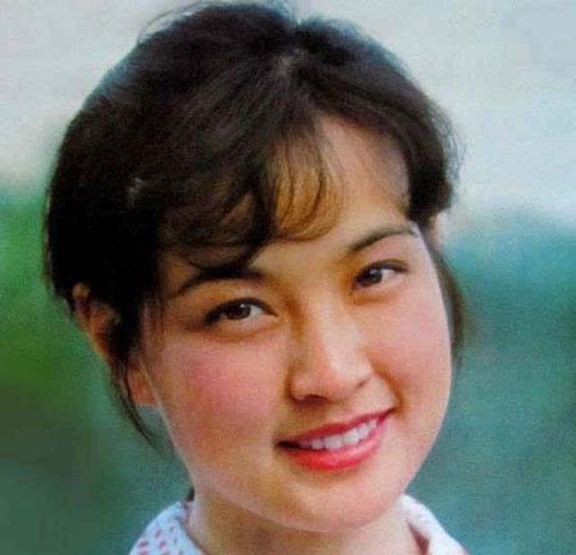 刘晓庆出道至今40余年仍风韵犹存,不老女神的颜值一直在线