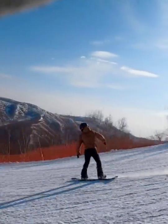 速度有点快呀,我来个花式减速吧单板滑雪鼠年大吉