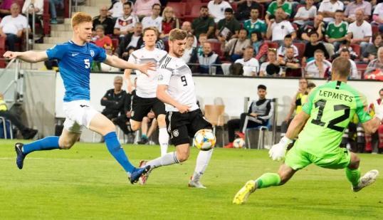 欧洲预选赛:德国队多特旧将两射一传,京多安强势进球立大功
