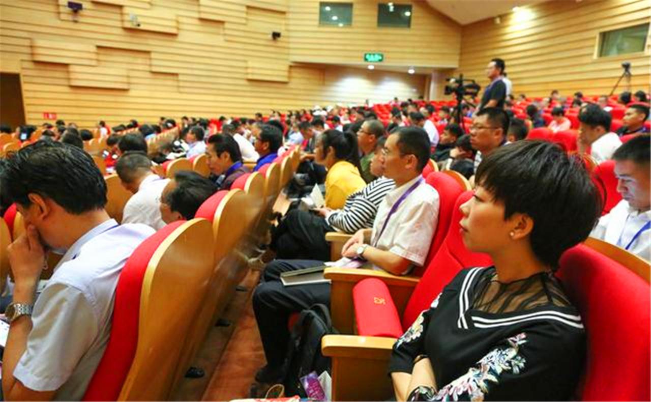2019中国卫星导航与位置服务第八届年会北斗产教融合论坛成功举行