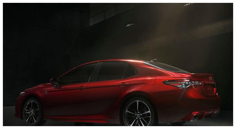 丰田最强王牌并非亚洲龙,而是它,不足28万,低油耗配10气囊