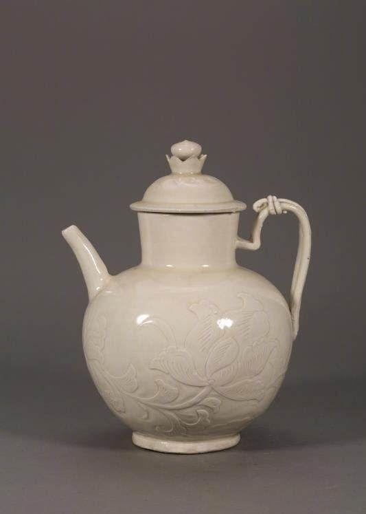 「观复博物馆」定窑白釉牡丹纹执壶,高古瓷,北宋