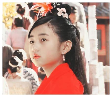 """张子枫太活泼演不了""""林黛玉""""?本来不信,看到定妆照后:打扰了"""
