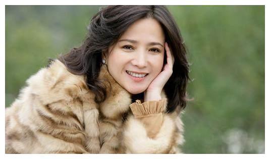 演遍4大名著的演员,只有何晴!如今她儿子已长大,真是太帅了!
