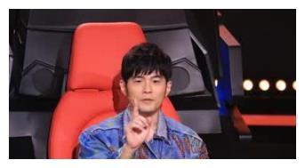 中国新歌声谢霆锋,李健重磅加盟,之前四位导师为何独留周杰伦?