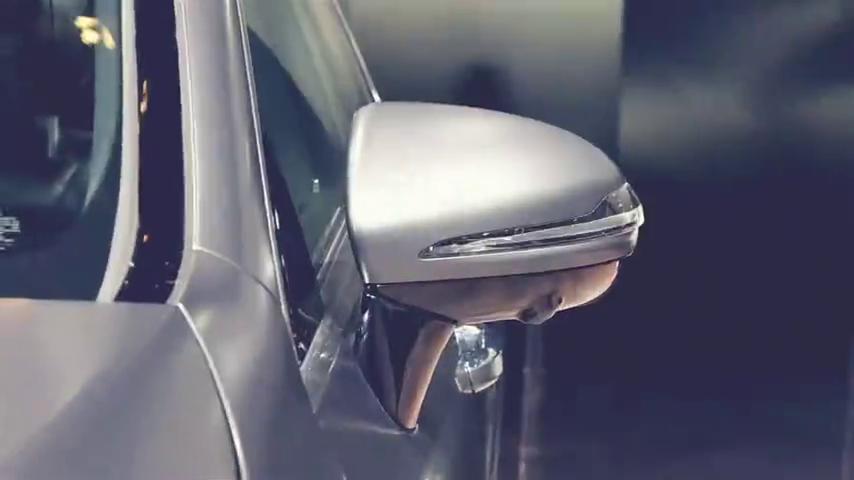 视频:奔驰家族设计风向标全新奔驰CLS级