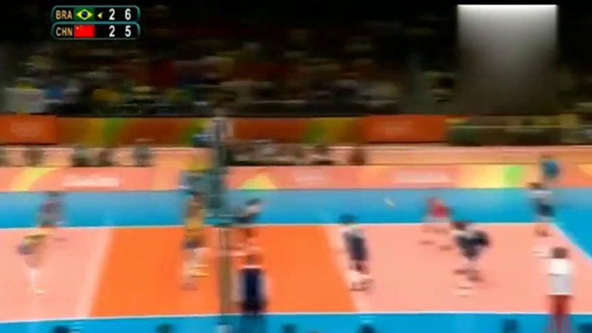 中国女排大战巴西,决胜局最后,刘晓彤碾压巴西双塔的经典一扣!