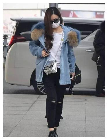 赵丽颖VS刘诗诗冬天穿衣风格差异好大不怕冷吗,难道是代沟?