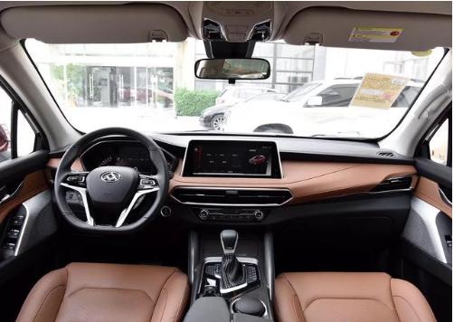 国产中大型SUV硬汉,搭载2.0T+四驱系统,上汽大通D90