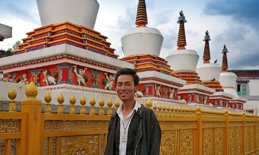 从放羊娃成长塔尔寺金牌导游,藏族小伙成长历程是怎样的?