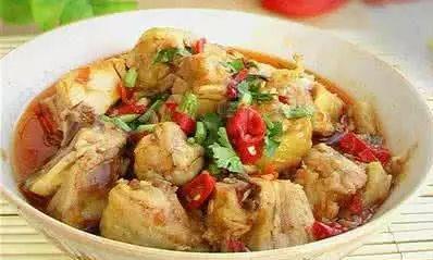 美食推荐:辣蒸鸡腿,香菇焖鸡,凉拌藕片做法!