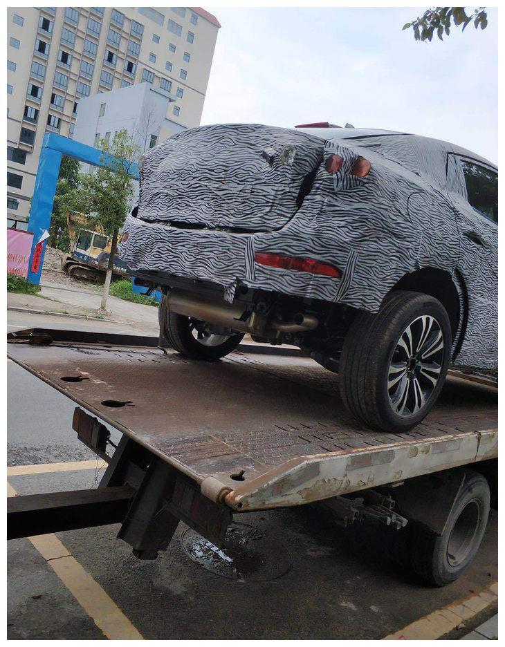 广汽传祺全新GS4和轿跑SUV谍照 采用全新设计/换装新1.5T引擎