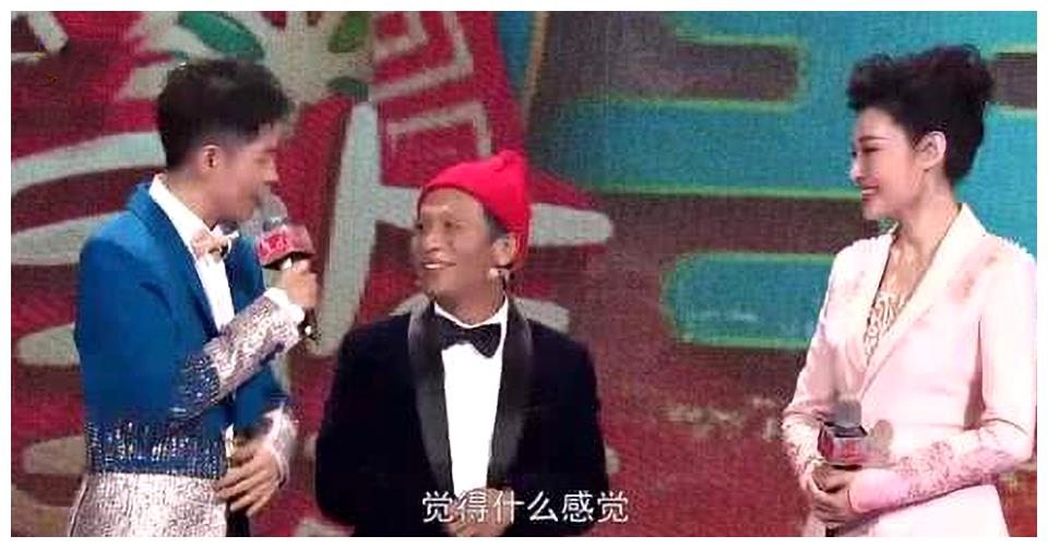 周涛与宋小宝同上山东春晚,年龄差13岁,同时上演最萌身高差