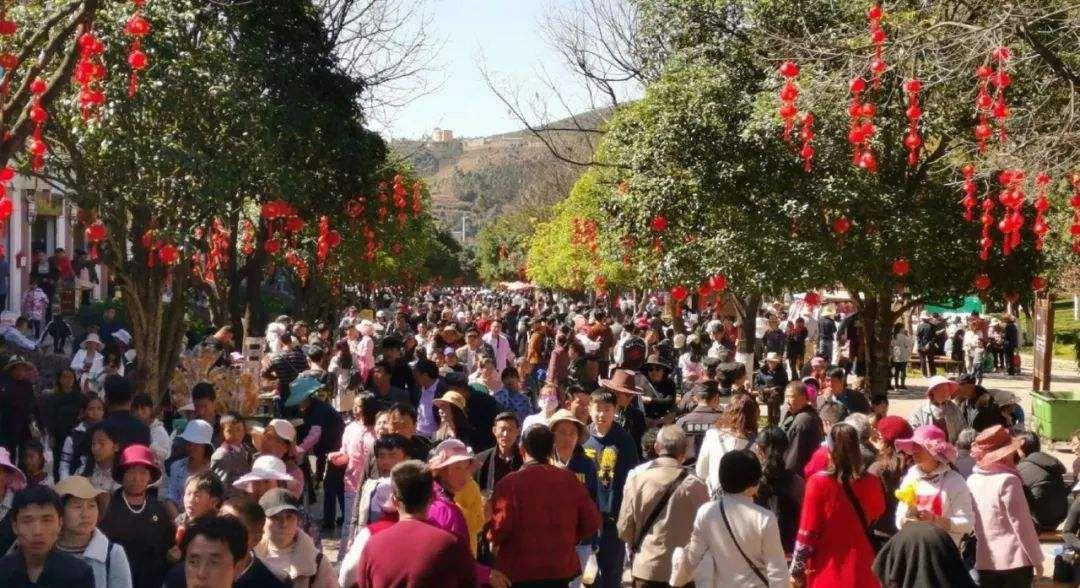 春节假期最赚钱的10大城市,两个西部城市成为最大黑马,夺得冠亚