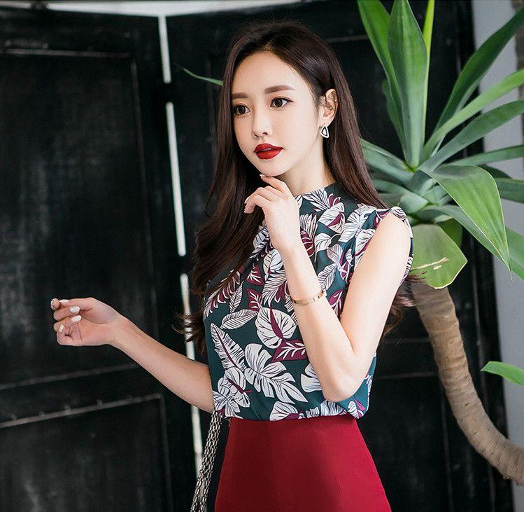 孙允珠——御女范春岚红叶晚景工笔描花无袖衫配穿红色中长裙写真