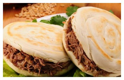 """西安正宗腊汁肉夹馍,喜欢吃的在家也可以做,""""馍酥肉烂""""很过瘾"""