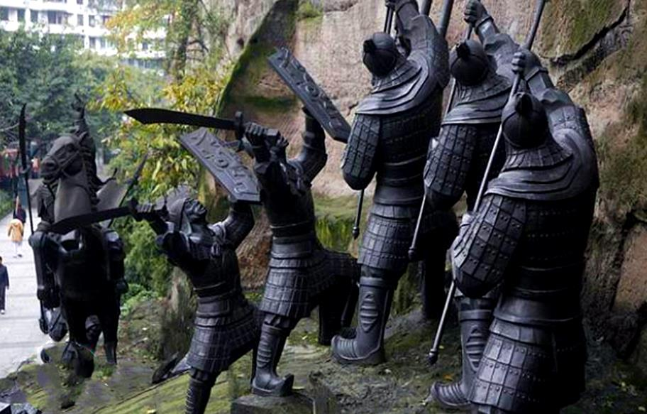 古代打仗,为什么第一排的士兵不怕当炮灰呢?就那么英勇吗?