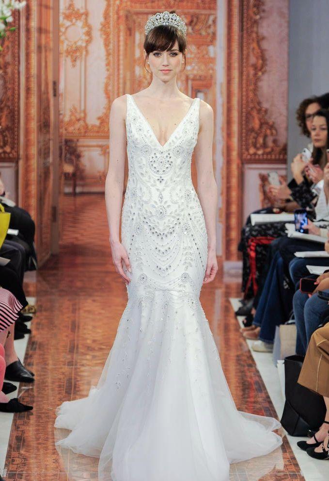 Theia:薄纱、宝石与花纹完美搭配的高定婚纱礼服