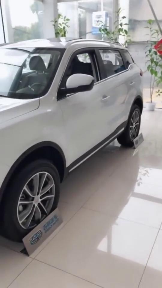 """视频:吉利博越全方位展示,被称为""""最耐撞""""的国产车,这车厉害了!"""