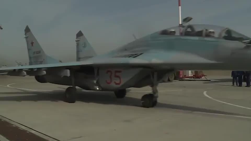 开天窗起降米格29最显著的特征实拍俄罗斯空军演习