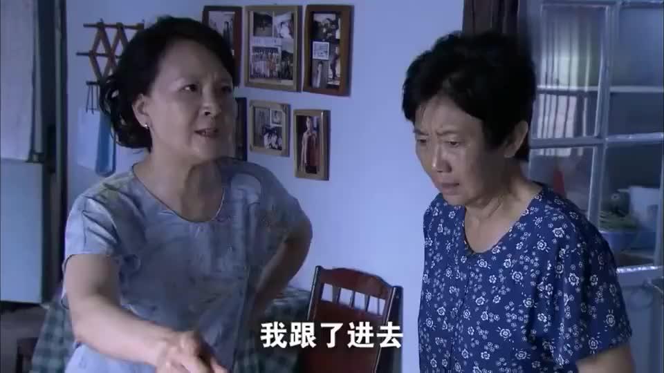 丈夫家暴妻子不料婆婆站在一边看热闹丈母娘直接报复