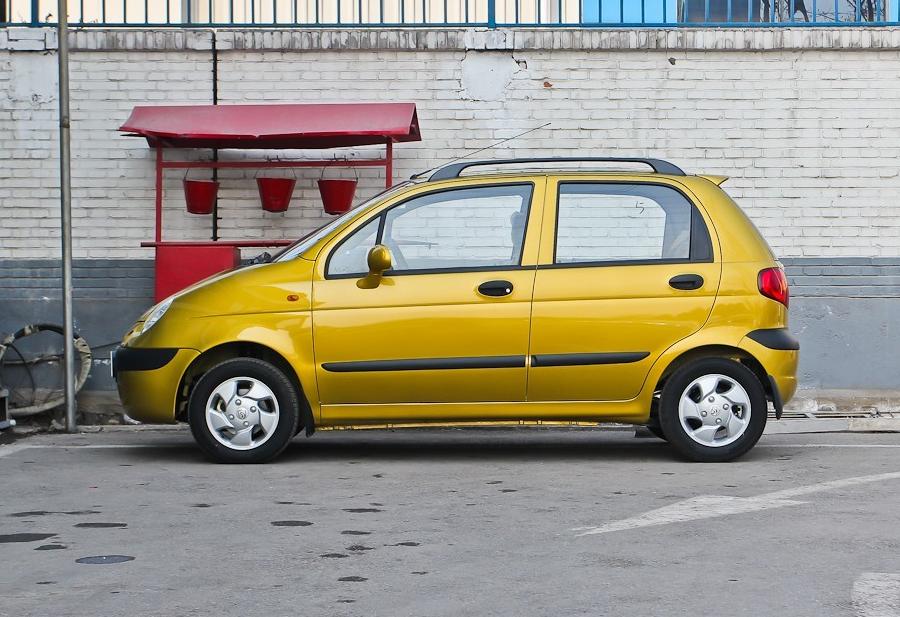 奥拓和乐驰,停产的两款车,究竟谁是微型车霸主?