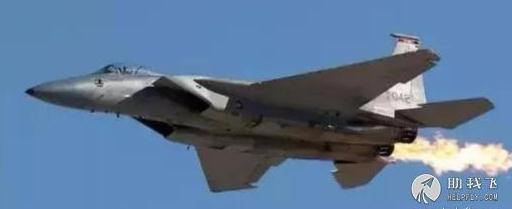 """为什么战斗机可以""""耍酷""""喷火,而民航飞机却不能?"""