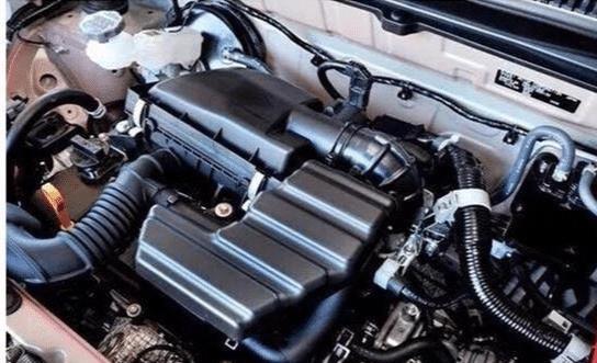 这才是年轻打工者的第一台车,油耗仅需2.7L,比摩托强上100倍!