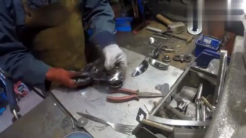 牛人用一堆餐具焊接一只猫头鹰模型,真是脑洞大开啊