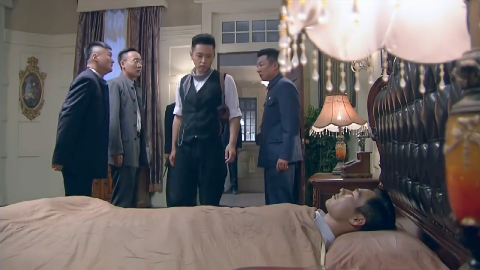 雷震终于赶到了酒店他看见被打死的情报处人员