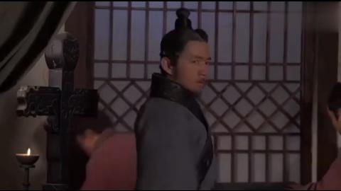 赵王任命赵括为主帅,白起星夜偷偷溜去长平指挥作战,戏耍马服子
