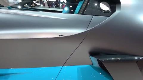 2019日内瓦车展,布加迪超跑霸气亮相,6个排气,售价1670万欧元