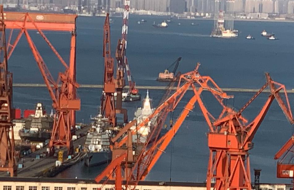 大连船厂开建新驱战群塞满工位,055舰变化大,舾装进展喜人