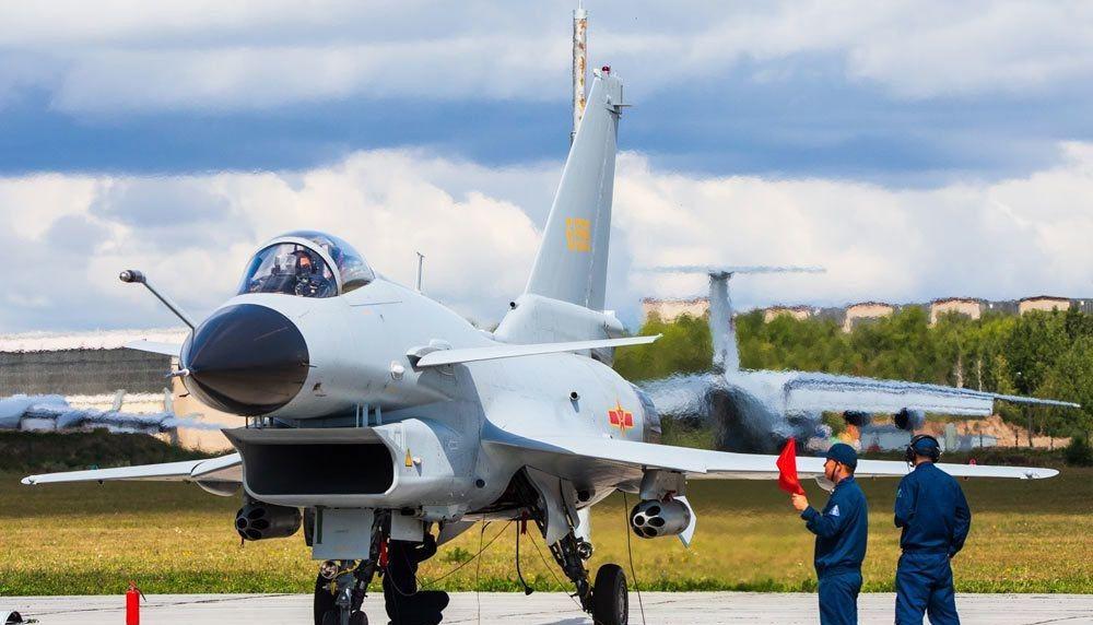 歼-10A:国产三代战斗机的开山之作,目前A型号已经停产