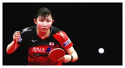 张本智和、早田希娜18分钟速胜!轰3-0横扫晋级,对手受罚分影响