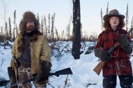 一家人18年的荒野生活,出门一定要带猎枪,生活自给自足!