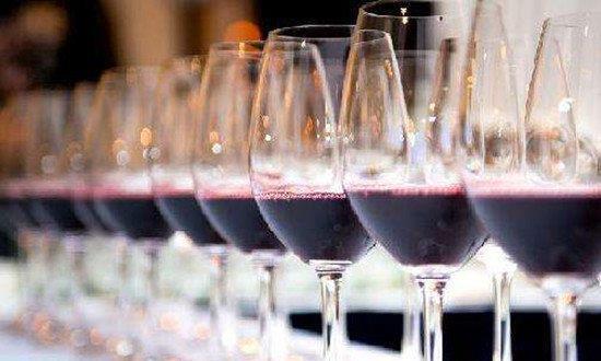 葡萄酒的酒精度数跟什么有关?