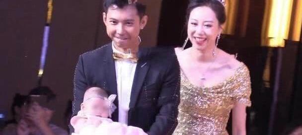 65岁朱时茂儿子办婚礼,陈佩斯刘晓庆罕见同框,朱军冯小刚抢镜