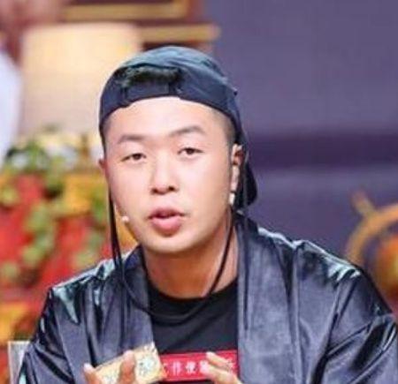 """娱乐圈中的隐形富豪,杜海涛开店,张信哲买房,他被称""""店面王"""""""