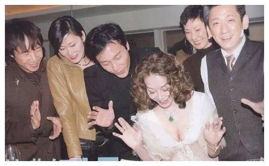 香江才女林燕妮不幸去世,她是李小龙的嫂子,黄霑心中永远的美人