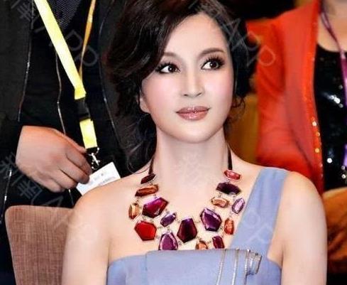 """刘晓庆:改革开放四十年中国电影发展史上当之无愧的""""奇""""女子"""