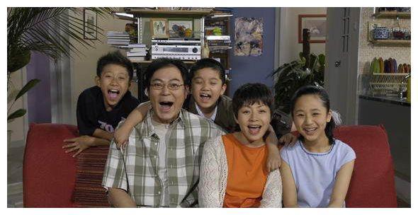 没有了杨紫和宋丹丹的《家有儿女初长成》,他成为了新的喜剧笑点