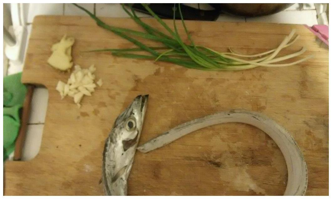一个必须在春天吃的菜,焖带鱼,可以在10分钟内学会在家里!