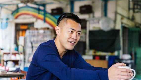 刘銮雄长子被曝遭小主播分手,39岁仍是单亲爸爸,谈情说爱不如爹
