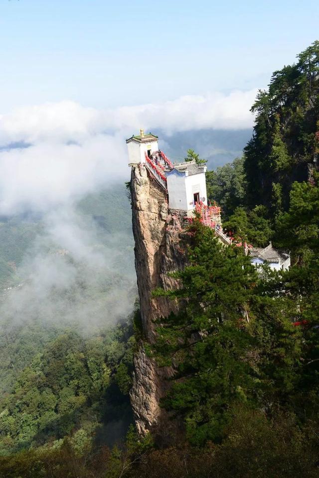 """""""中国最危险的房子""""—— 塔云山金顶观音殿"""
