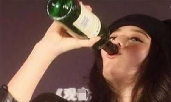 """能""""喝""""酒的4位明星:赵本山把人喝住院,腾格尔花费上百万!"""