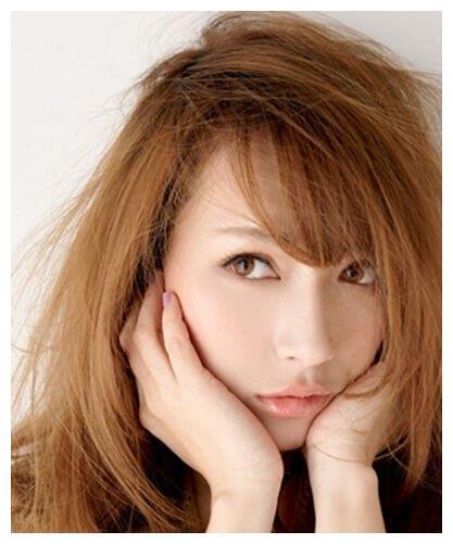 女人头发出现这几个特征,说明发质严重受损,需要即刻进行护理