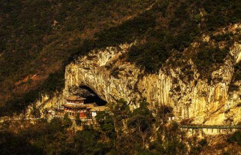 陕甘川交界神秘古寺,藏稀世珍宝却不为人知