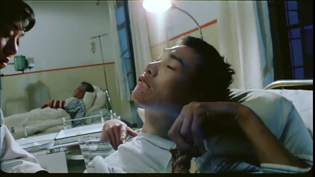 护士被开除,想不开在医院值班室割腕,病人连忙喊人